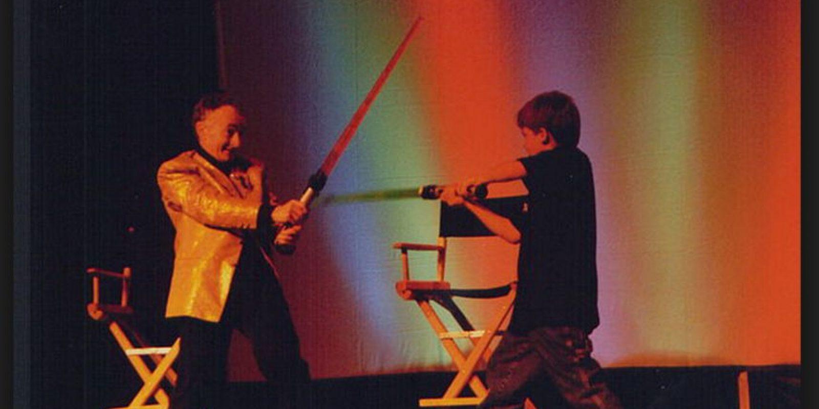 """En la película """"Un padre en apuros"""", interpreta al hijo del protagonista, obsesionado por obtener en Navidad una figura de acción de Turboman Foto:Wikicommons"""