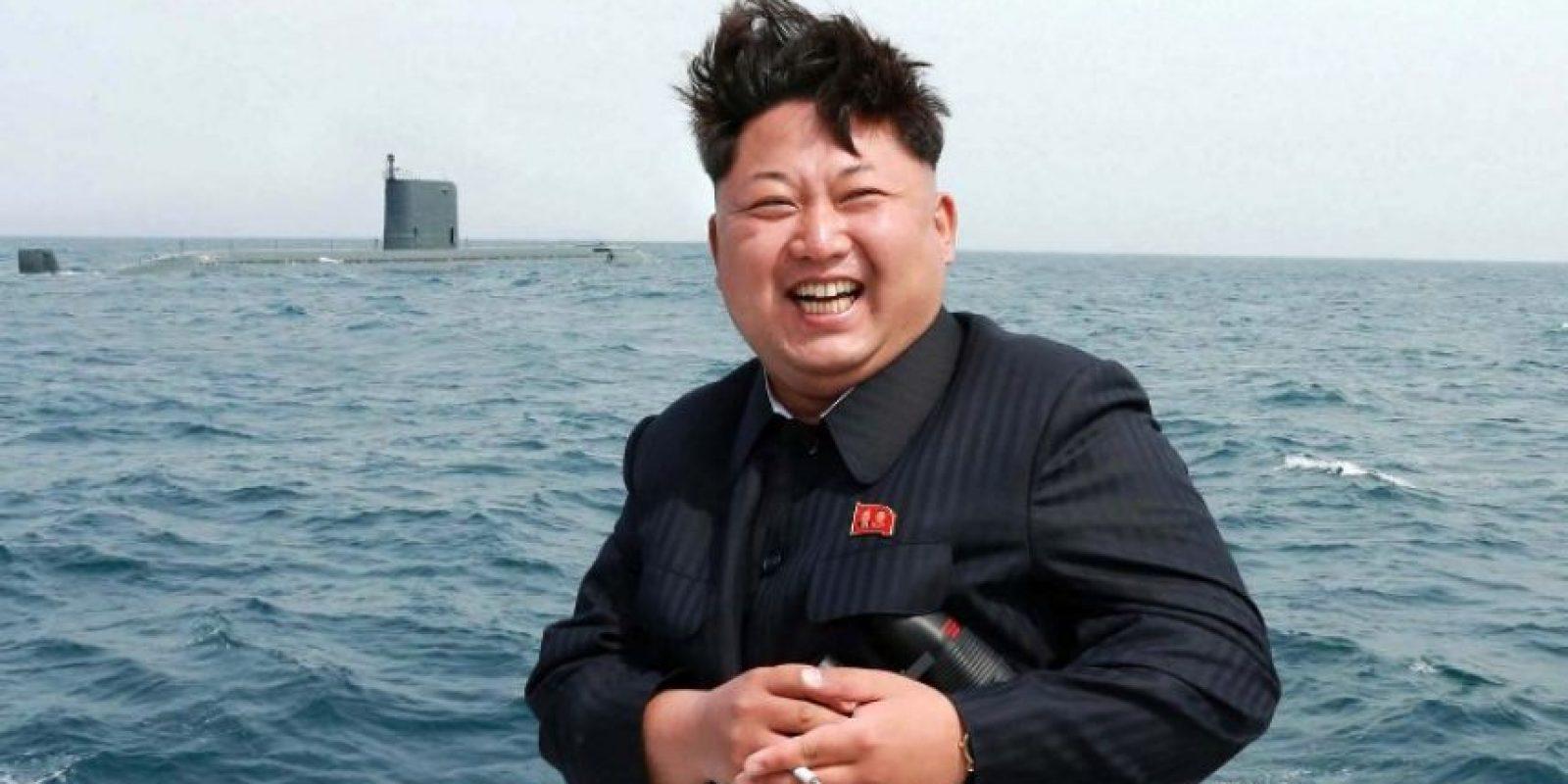"""4. Los """"misiles inteligentes"""" de Kim Jong-un. El pasado 15 de junio, Kim Jong-un volvió a desafiar a sus enemigos al disparar un antimisiles """"altamente inteligente"""", que puede dar en un objetivo a 120 kilómetros de distancia. Foto:AFP"""