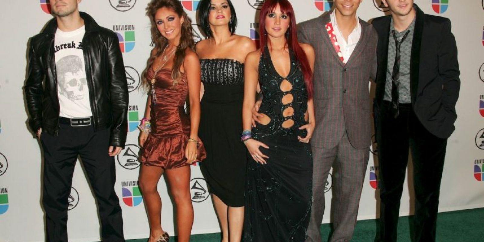 Esta banda conformada por actores mexicanos recibió cientos de criticas por sus constantes presentaciones con playback… Foto:Getty Images