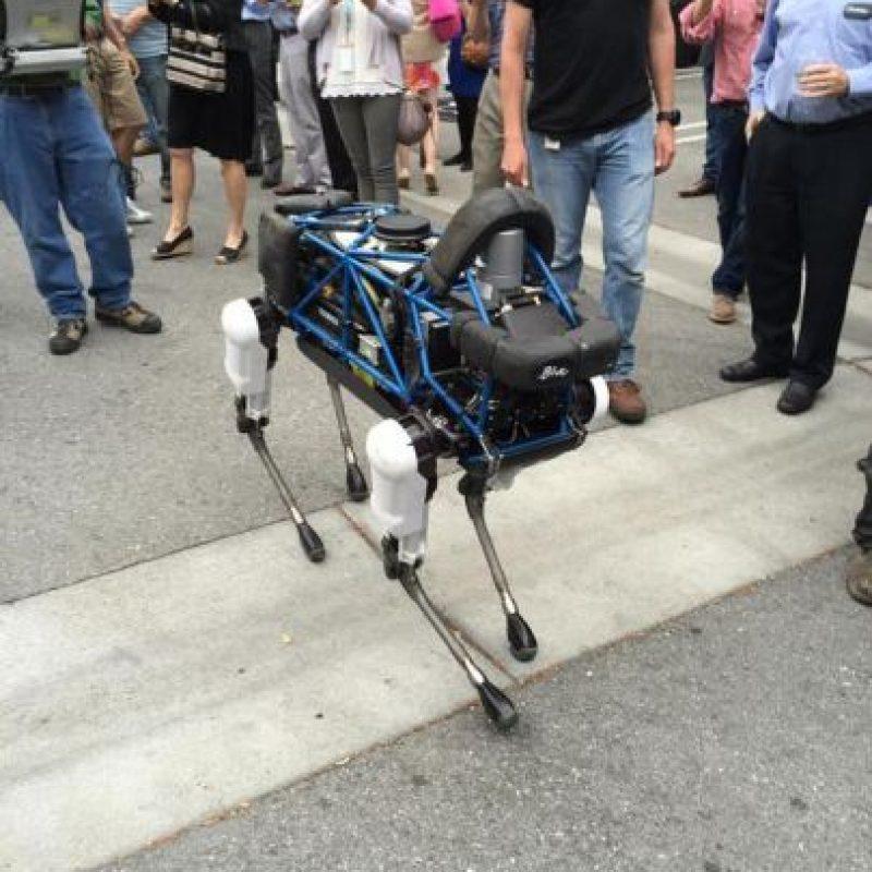 """3. """"Spot"""", el perro robótico de Google Foto:Twitter.com/williamalden"""