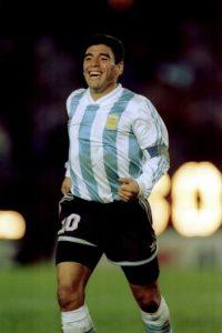 Maradona jugó su último Mundial en Estados Unidos 1994, torneo del que fue echado por dar positivo en el control antidoping. Foto:Getty Images