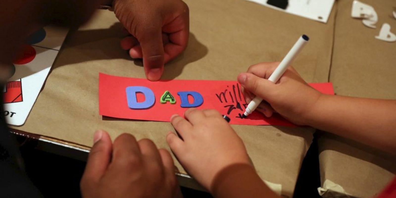 """Cinco consejos para convencer a papá que las redes sociales son divertidas, de acuerdo al portal """"Business 2 Community"""": Foto:Getty Images"""