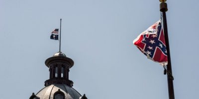 Gobernadora de California del Sur solicita retirar la bandera que generó polémica