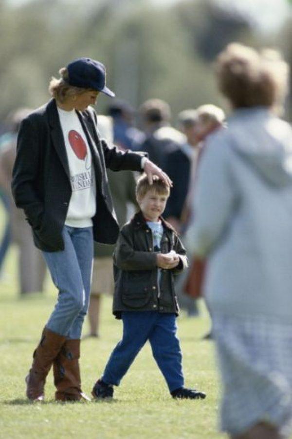 Bueno, ya era encantador. Se le veía feliz con la princesa Diana. Foto:vía Getty Images