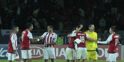 1. Paraguay sobrevivió a un 2-0 de Argentina Foto:Vía facebook.com/AlbirrojaPrensa