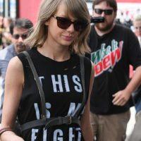 Ahora Taylor impuso el arnés. ¿Para qué arnés? ¿Quieren imitar a Frida Kahlo o algo? Foto:vía Getty Images