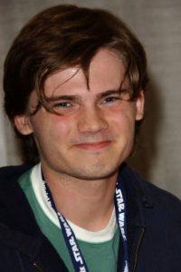 Y siguió apareciendo en Comic Con, como su antiguo personaje. Foto:vía Getty Images