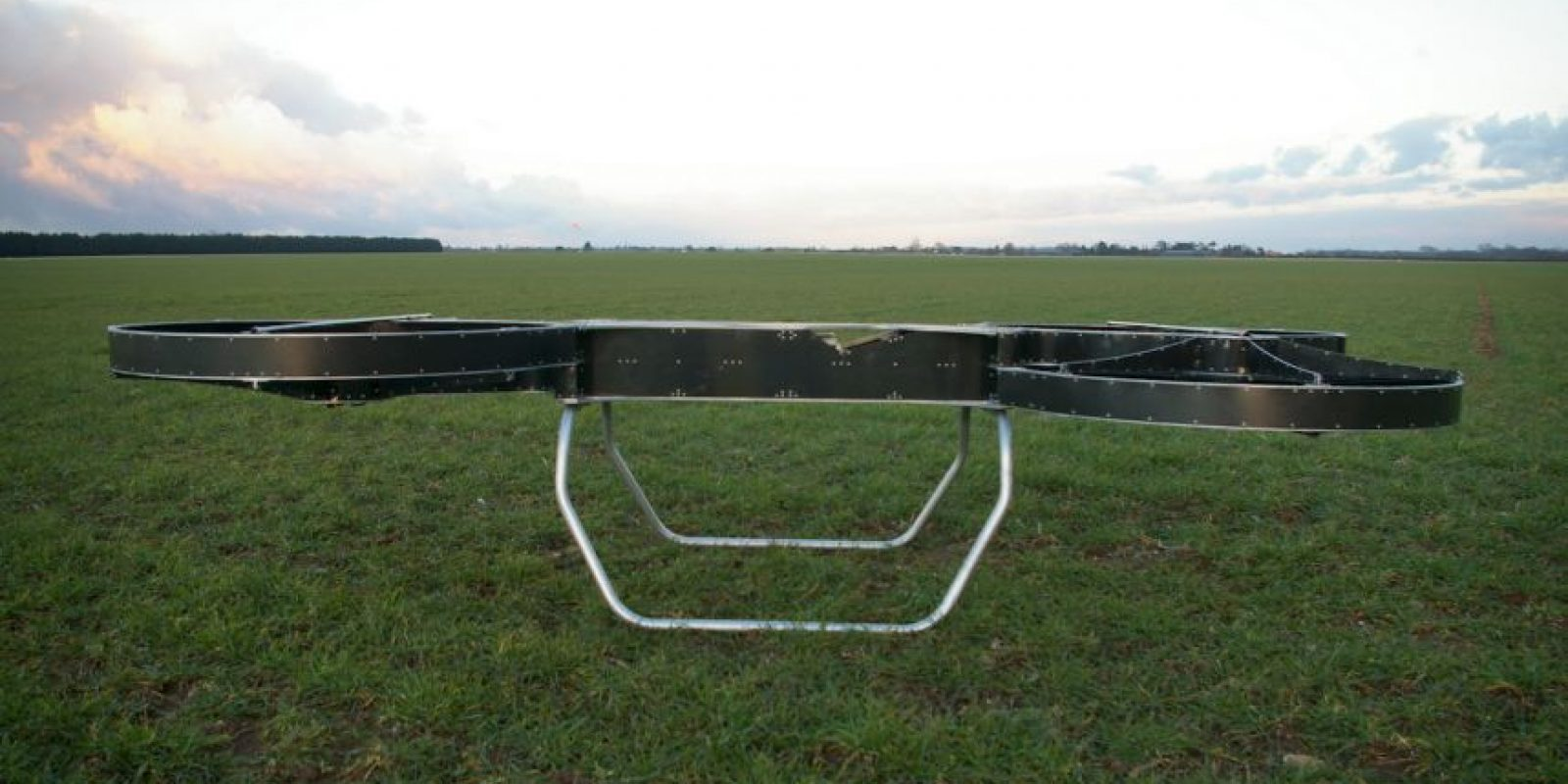 El Departamento de Defensa estadounidense se asoció para crear hoverbikes que transporten humanos. Foto:Vía hover-bike.com