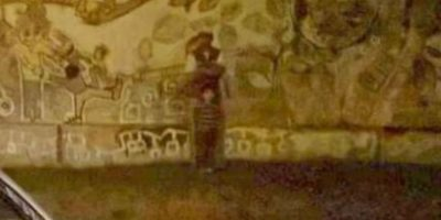 Esta es la foto que captaron fuera del cementerio. Foto:Vía Informados Diario