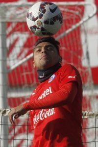 """El otro defensa central de la """"Roja"""" Foto:AFP"""
