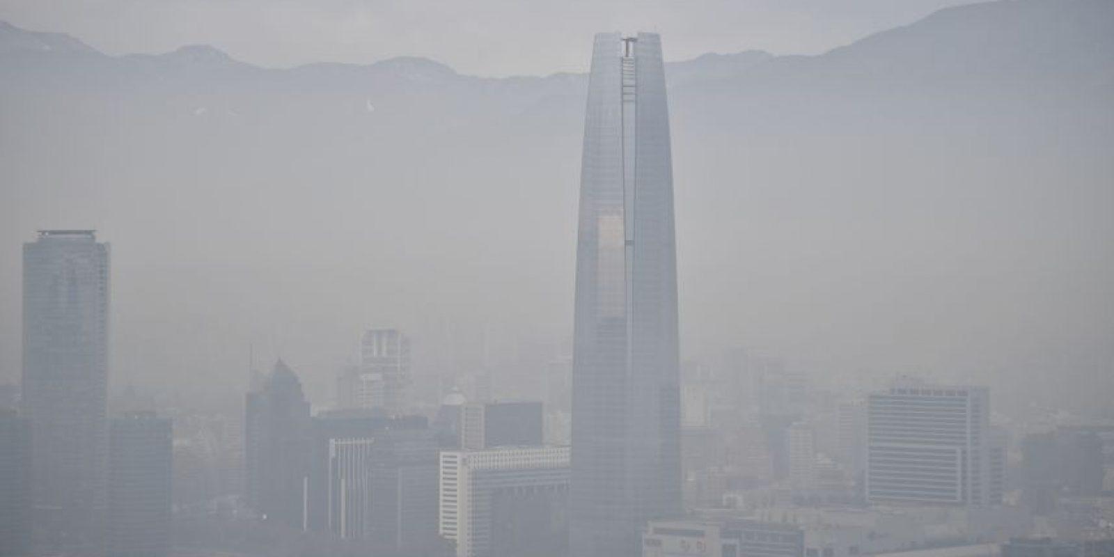 Así se logra ver la Gran Torre Santiago. Foto:AFP