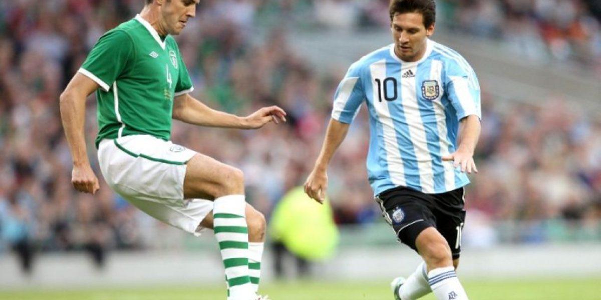 Jugadores irlandeses habrían recibido 9 mil euros por no lesionar a Messi