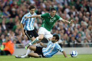 El partido que se jugó en Dublín habría estado marcado por el pago a los jugadores locales. Foto:AFP