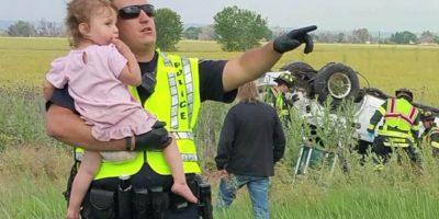 Policía calmó a niña que perdió a su padre en un accidente y no creerás qué hizo