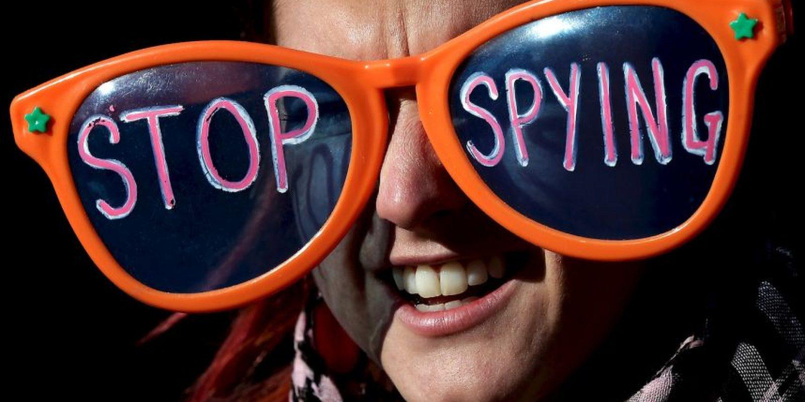 Hasta mayo de 2015, la llamada Ley Patriota, aprobada tras los atentados terroristas del 11 de septiembre de 2001, permitía que la NSA tuviera acceso a cualquier llamada telefónica. Foto:vía Getty Images