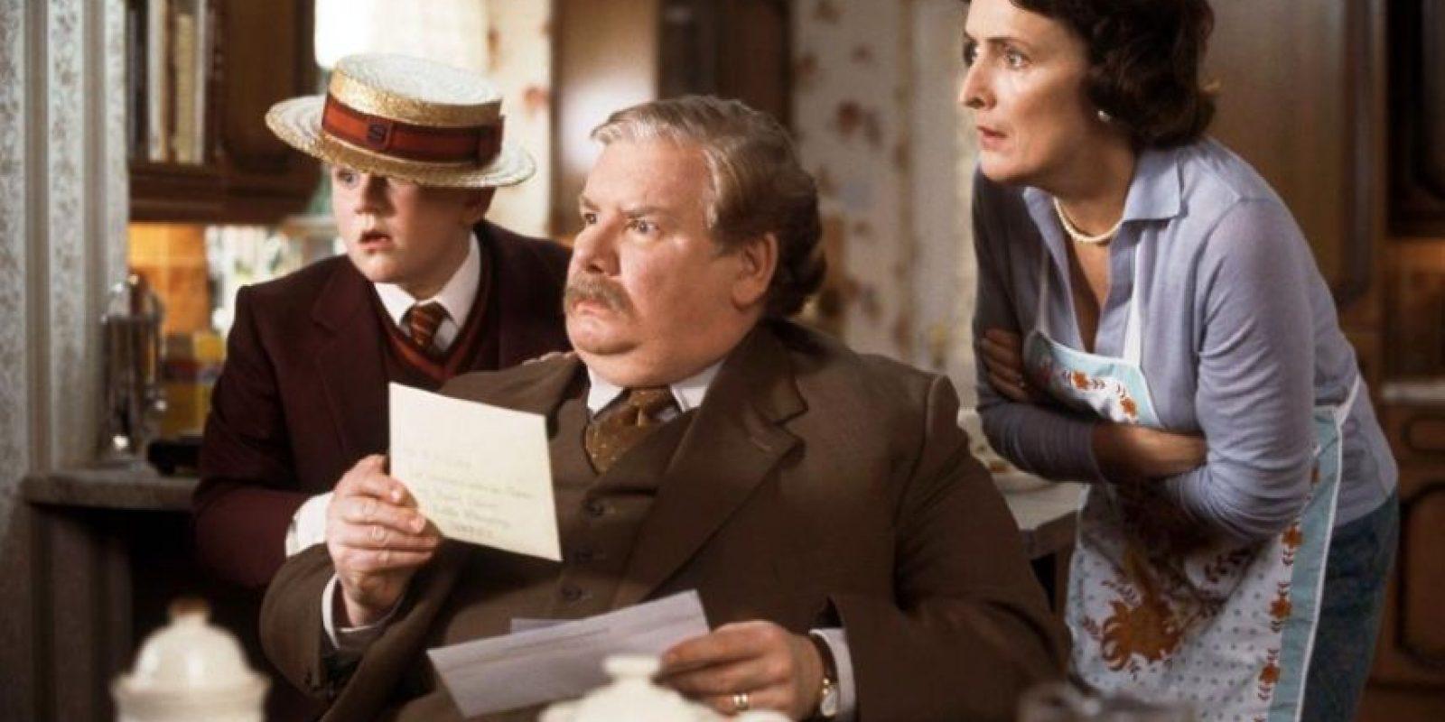 """Los """"Dursley"""" presumían ser una familia feliz, normal y perfecta. Foto:Facebook/HarryPotter"""