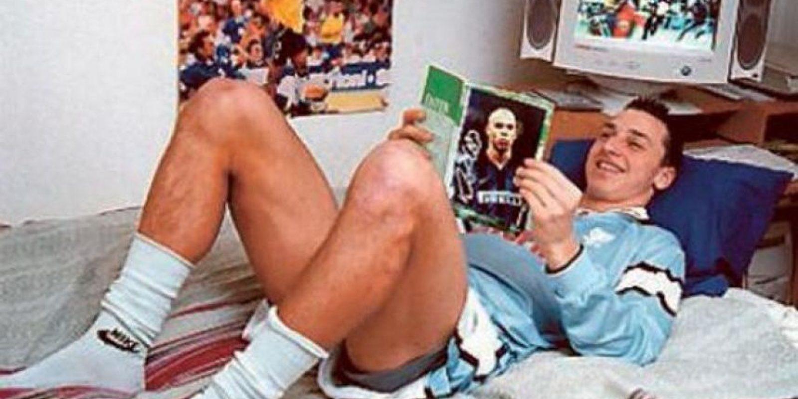 """Esta imagen lo dice todo… Zlatan creció admirando al """"Fenómeno"""". Foto:humorfutbolclub.com"""