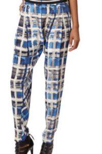 Pantalones que recuerdan al ska de los 90. Foto:vía LAMB