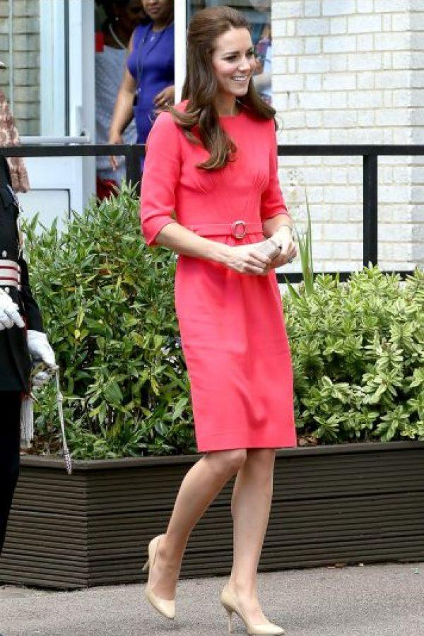 Por eso Kate no solo repite vestidos sino también copia modelo. Este sirve para toda ocasión. Foto:vía Getty Images