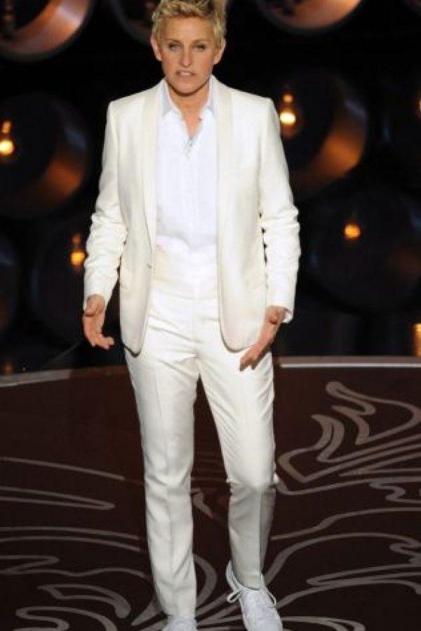 Tilda Swinton, que es straight y tiene su mismo look andrógino, por ejemplo, va con Haider Ackermann. Pero Ellen siempre le apuesta al traje masculino. Foto:vía Getty Images