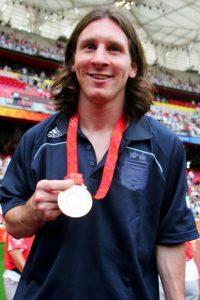 Ese año también ganó la medalla de oro en fútbol en Beijing 2008. Foto:Getty Images