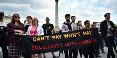 2. Grecia se quedaría sin euros y sin poder pedir prestado a otros países europeos. Foto:AFP