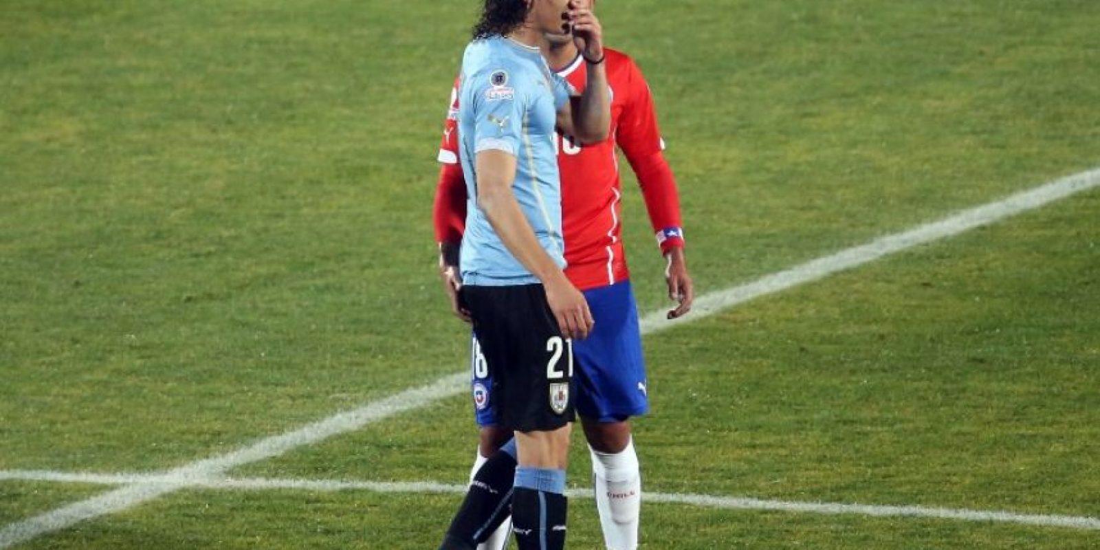 1. Gonzalo Jara provocó la expulsión de Edinson Cavani en los cuartos de final de la Copa América 2015 Foto:AFP