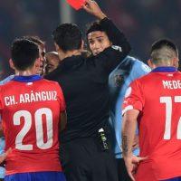 El delantero del PSG fue expulsado en la segunda mitad del partido en el que su selección fue eliminada contra Chile. Foto:AFP