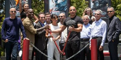 "El elenco de ""Fast and Furious"" se reunió en el parque Universal Studios Hollywood para inaugurar la atracción ""Fast and Furious Supercharged"" Foto: Getty Images"