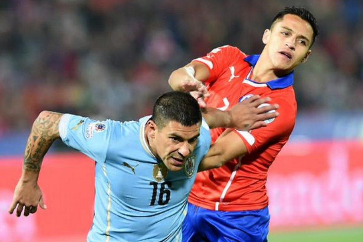 Entre ellos destacan Luis Suárez, Diego Lugano y Javier Chevantón. Foto:Vía facebook.com/aufoficial