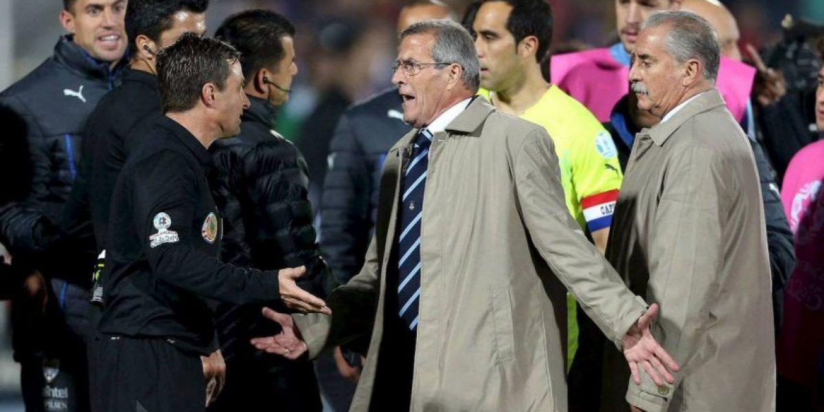 Futbolistas uruguayos explotan contra la selección de Chile