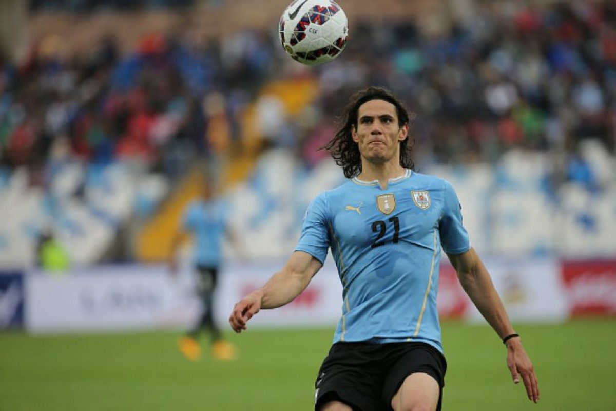 DELANTEROS: Edinson Cavani Foto: Getty Images