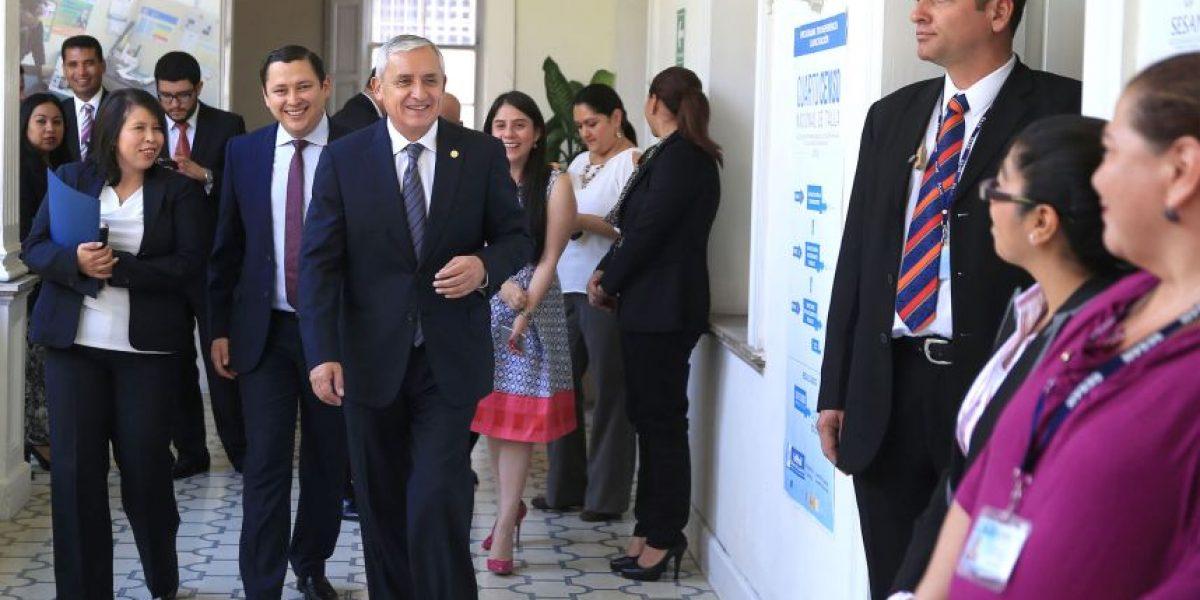 Otto Pérez niega vínculos con la abogada Karen Fischer