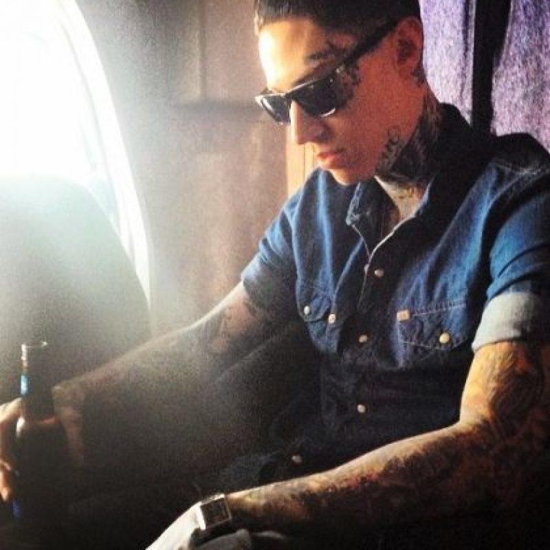 """A pesar de eso, en octubre de 2011, le regaló un anillo de compromiso a la protagonista de """"Zack y Cody: Gemelos en Acción"""". Foto:vía instagram.com/tracecyrus"""