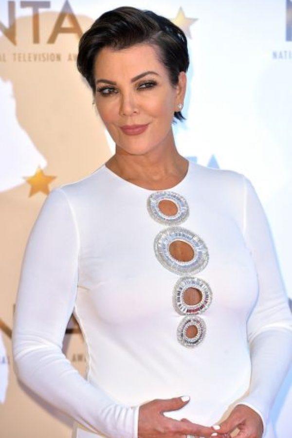 Tiene 59 años, es la madre de las Kardashian y abuela de North West, Penelope, Mason y Reign Disick. Foto:Getty Images