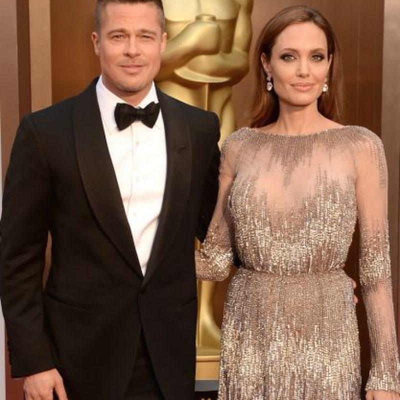 """En este articulo, titulado """"El secreto bisexual de Brad Pitt"""", también se explica que Angelina acepta las preferencias de su esposo sin problemas. Foto:Getty Images"""