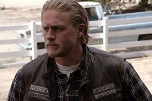 """La serie se centra en el protagonista """"Jackson Teller"""", quien es interpretado por el actor Charlie Hunnam. Foto:IMDb"""