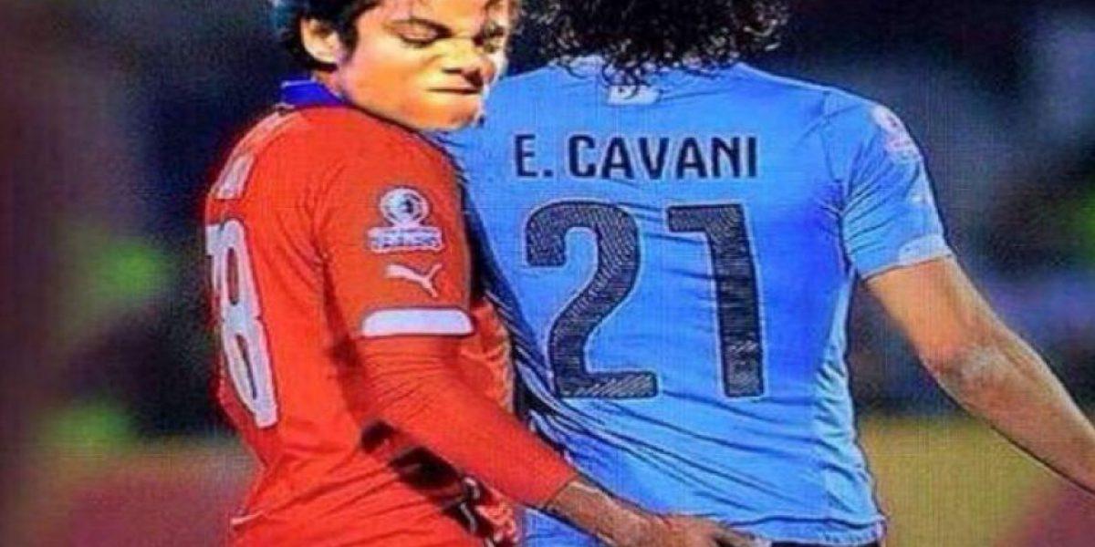 La polémica acompañó la expulsión de Cavani del partido Chile-Uruguay