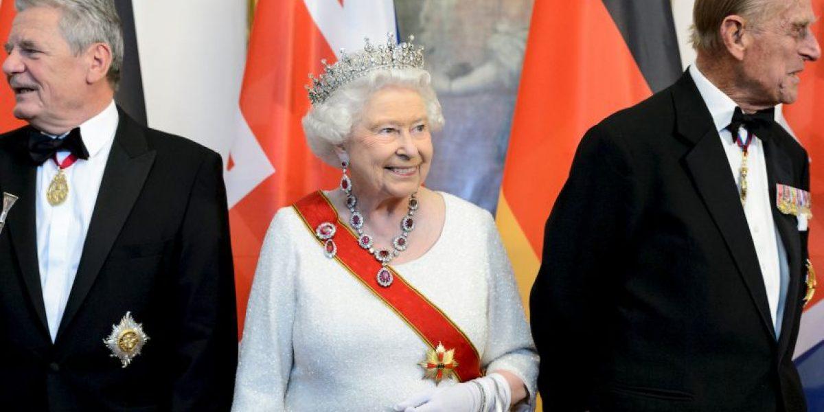 La reina Isabel II visitará por primera vez un campo de concentración
