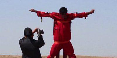 1. Cortarle las manos. Esto lo hizo con un iraquí acusado de espionaje Foto:Twitter – Archivo