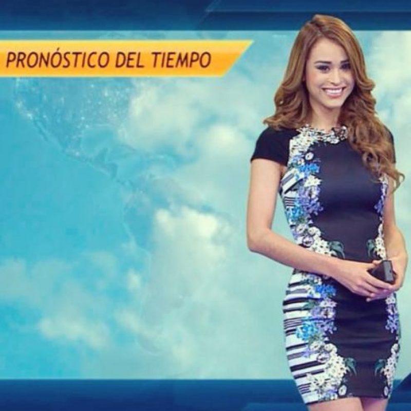 """@RainyDayCo: """"Es la presentadora más hot de todos los tiempos"""". Foto:Vía Instagram/@IamYanetGarcia"""