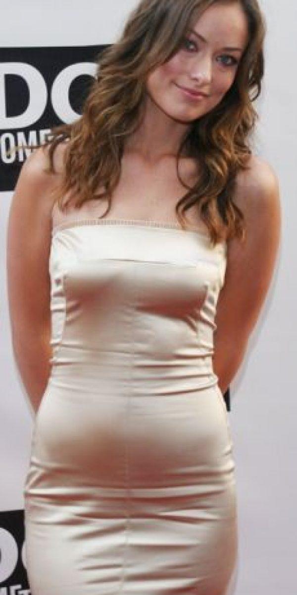 Esto solo produce acumulación de toxinas. Olivia Wilde parecía inmóvil en este vestido. Foto:vía Getty Images