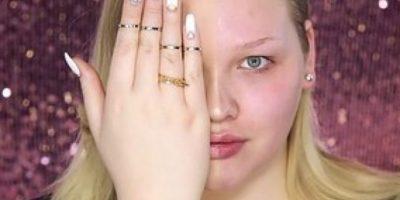 """FOTOS: Jóvenes protestan con """"selfies"""" para que no las avergüencen por usar maquillaje"""