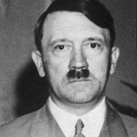 Estudió cada gesto y postura del líder nazi en sus discursos, pero los pronunciaba con su propia voz. Foto:vía Getty Images