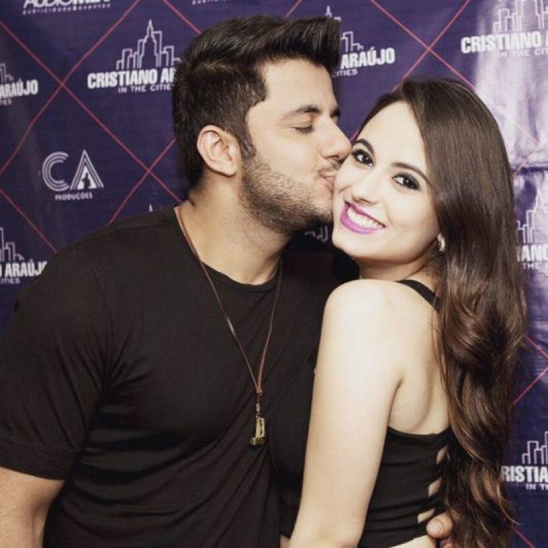 El cantante falleció junto con su novia, Allana Coehlo, de 19 años, en un accidente de tráfico. Foto:Vía instagram.com/cristianoaraujo