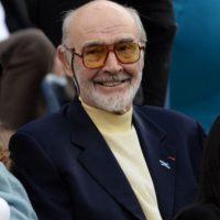 Aunque el cómic es increíble y genial, no supieron adaptarlo y la película fue hundida por la crítica. Connery, decepcionado, se retiró dos años después de la actuación. Foto:vía Getty Images