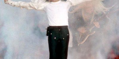"""Hizo su paso icónico, el """"moonwalk"""". Pero hay otras versiones que lo podrían ubicar """"un poco mejor"""". Foto:vía Getty Images"""