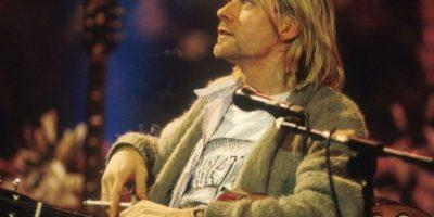 """Una mujer llamada Karen Sera, según el portal cristiano A2TW, le preguntó a Jesús """"qúe música escuchar"""". A ella le gustaba Nirvana y supuestamente Jesús le mostró que Cobain estaba envuelto en llamas, que salían de todos lados y que se veía """"demoniaco"""". Fue en 2009. Foto:vía Getty Images"""