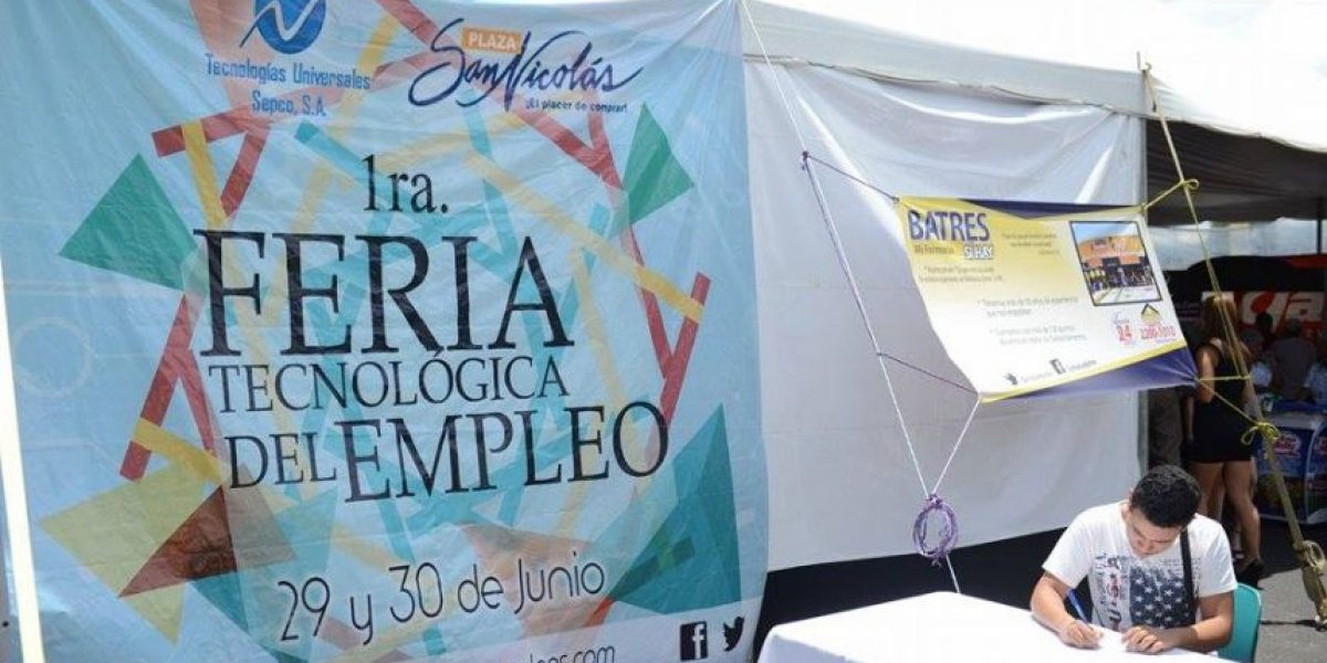 EN IMÁGENES. Realizan primera feria tecnológica del empleo en Mixco