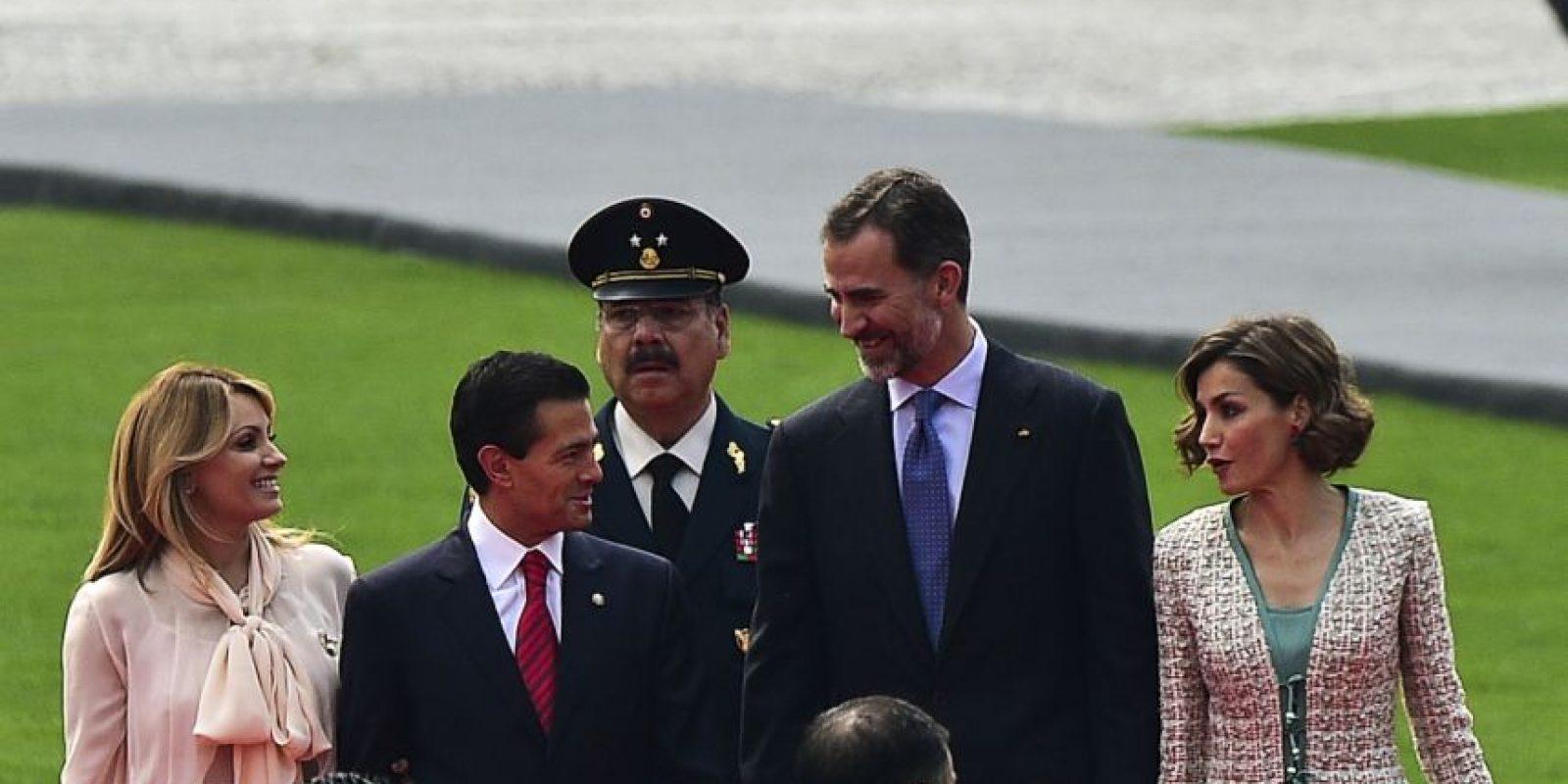 Por su parte, el presidente Peña Nieto recibió la Condecoración Carlos III, en grado de Collar y la primera dama Angélica Rivera en grado de Gran Cruz. Foto:AFP